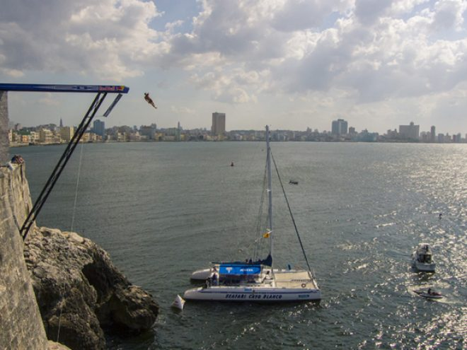 Blake Aldridge wins the inaugural Havana Red Bull Cliff Diving World Series event
