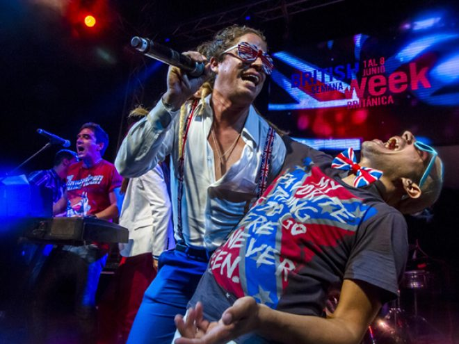 We're  all British now: Havana gets painted red, white & blue