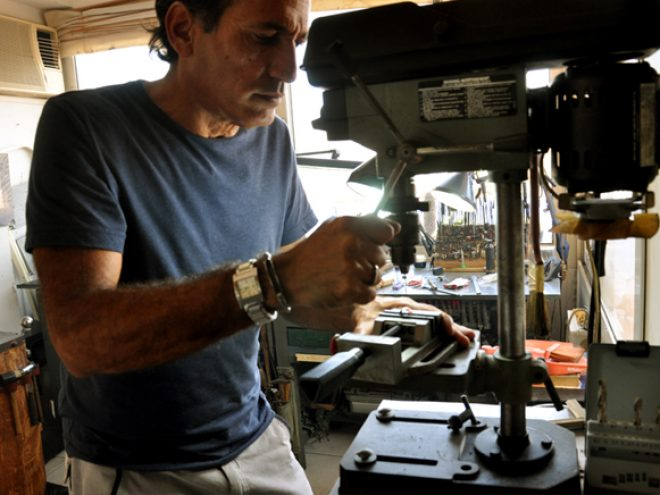 Jorge Gil: The Titanium Jewelry maker