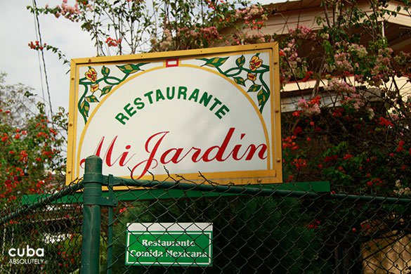 Sign of the restaurant Mi Jardin © Cuba Absolutely, 2014