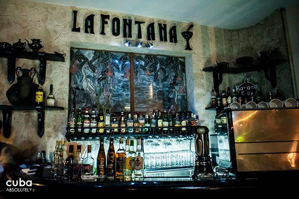 Bar at restaurant La fontana © Cuba Absolutely, 2014