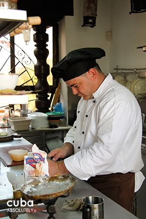 chef making a dish at Restaurant Atelier in Vedado © Cuba Absolutely, 2014