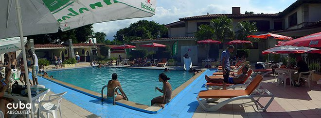 pool party at le Select Club in Miramar © Cuba Absolutely, 2014