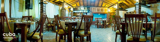 Restaurant La fontana Rustic ranch © Cuba Absolutely, 2014