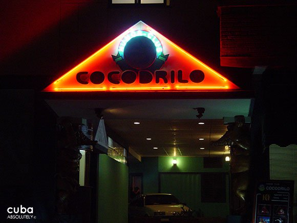 front of cocodrilo club in vedado © Cuba Absolutely, 2014