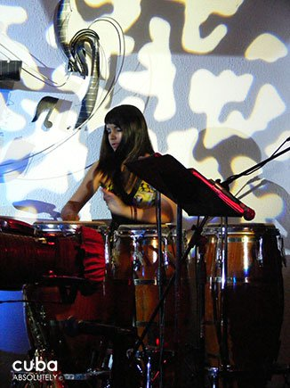 woman playing drums at Jazz Cafe in Vedado © Cuba Absolutely, 2014
