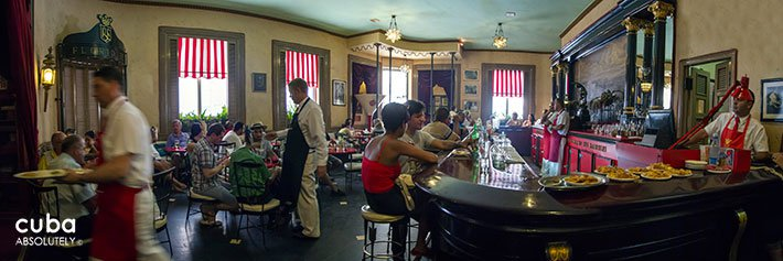 restaurant/bar Floridita in old havana © Cuba Absolutely, 2014