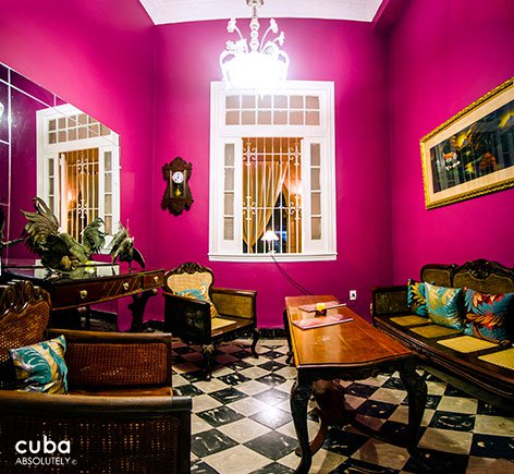 pink room at Bohemio bar in Vedado © Cuba Absolutely, 2014