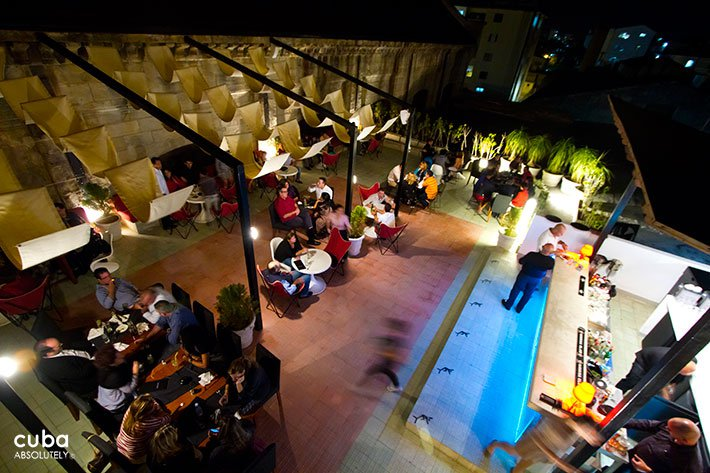 night view from up of Cocinero, restaurant in Vedado© Cuba Absolutely, 2014