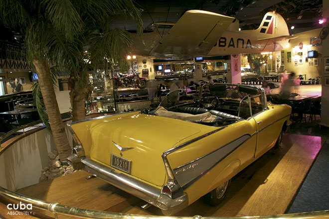 Habana Cafe in Melia Cohiba hotel, yellow old car © Cuba Absolutely, 2014