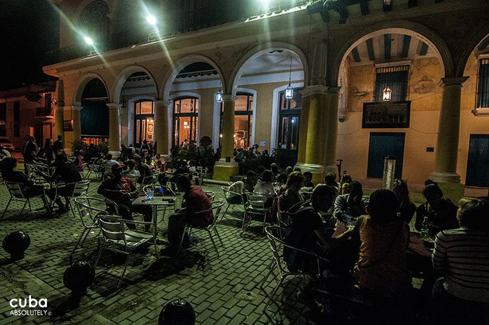 Factoria Habana restaurant at night in old havana© Cuba Absolutely, 2014