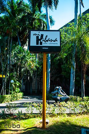 sign of Cafe Cantante club in Vedado© Cuba Absolutely, 2014