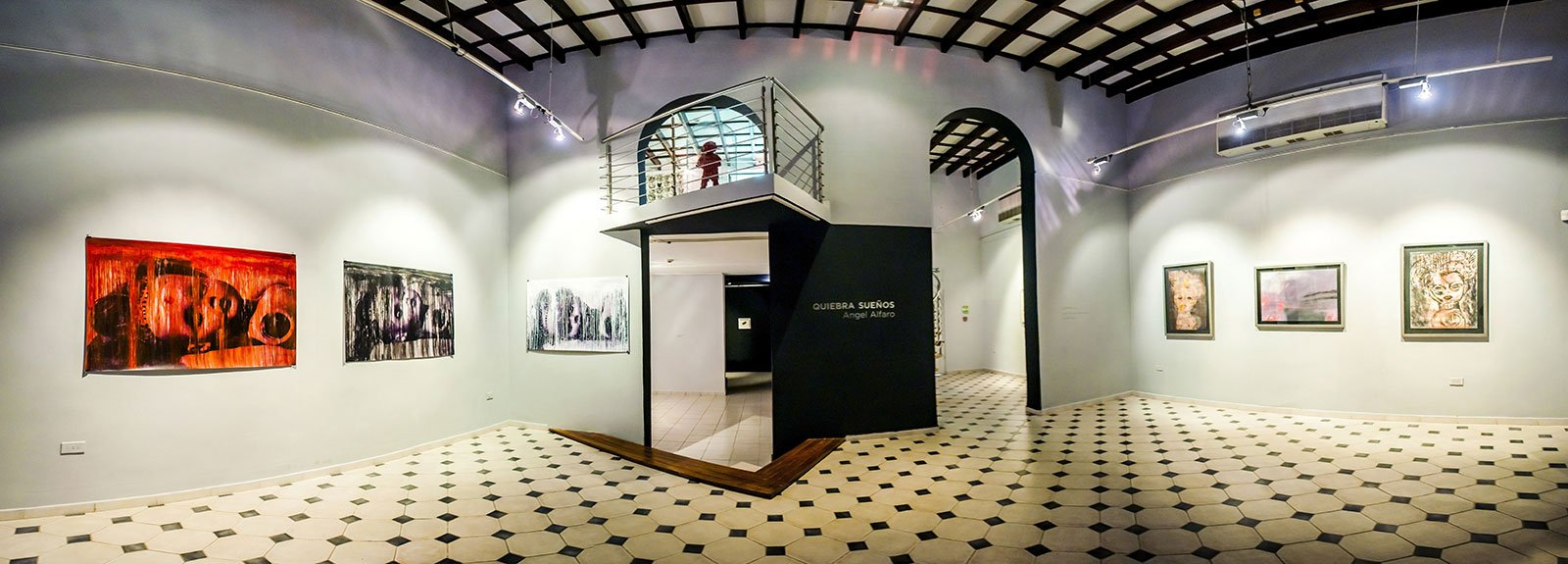 Exhibition at Villa Manuela gallery in Vedado