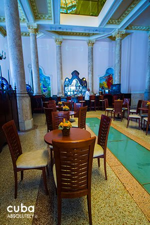 Raquel hotel in old Havana © Cuba Absolutely, 2014