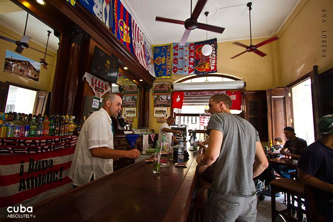 people drinking and talking at Bilbao bar in old havana© Cuba Absolutely, 2014