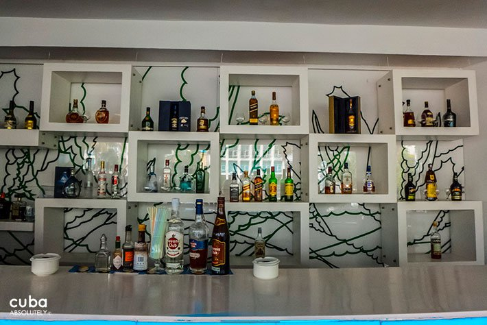 sport bar at Melia Habana hotel in Miramar© Cuba Absolutely, 2014