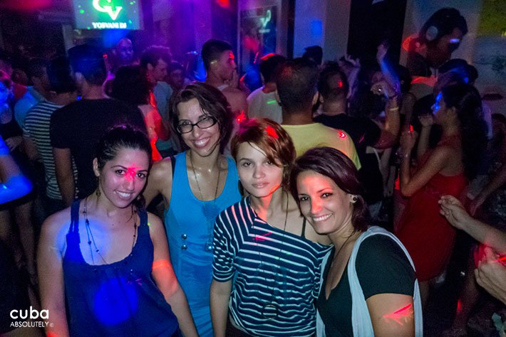 girls dancing at a party in Centro Vasco club in Vedado© Cuba Absolutely, 2014