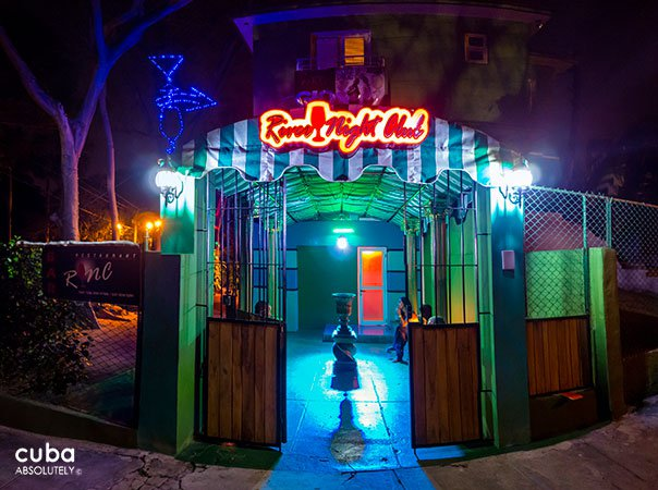 River night club entrance in Playa© Cuba Absolutely, 2014