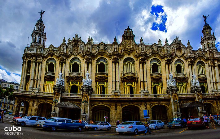 Grand theatre of Havana in Old Havana © Cuba Absolutely, 2014