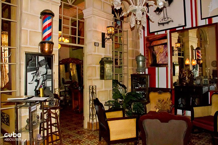 Hairdresser Papito´s corte in Old Havana © Cuba Absolutely, 2014