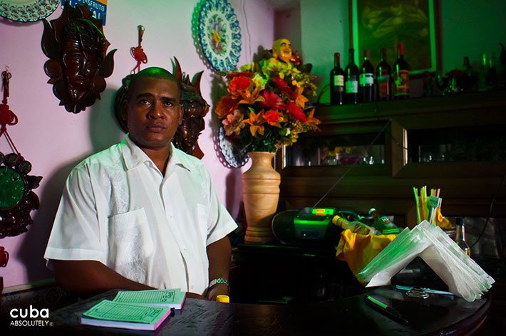 Barman at Amigos restaurant in Vedado © Cuba Absolutely, 2014