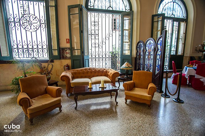 Lobby of Raquel hotel in Old Havana © Cuba Absolutely, 2014
