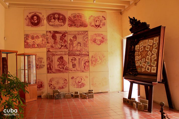 Room with different tobacco brandt on the walls at Habano museum © Cuba Absolutely, 2014