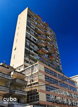Big building with rectangular balconys © Cuba Absolutely, 2014