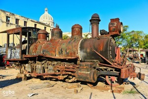 Old train museum in OLd havana, rusted locomotive  © Cuba Absolutely, 2014