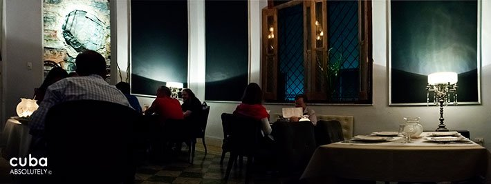 Le Chansonnier restaurant In Vedado © Cuba Absolutely, 2014