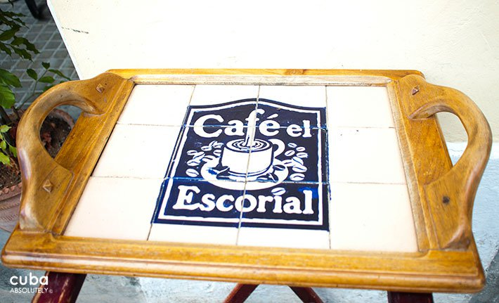 Cafe Escorial in Old Havana © Cuba Absolutely, 2014