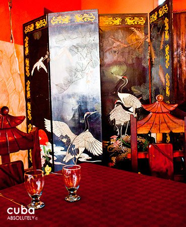 Chinese restaurant © Cuba Absolutely, 2014