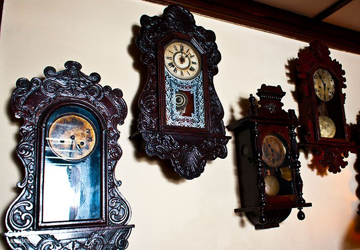 Old clocks on a wall © Cuba Absolutely, 2014