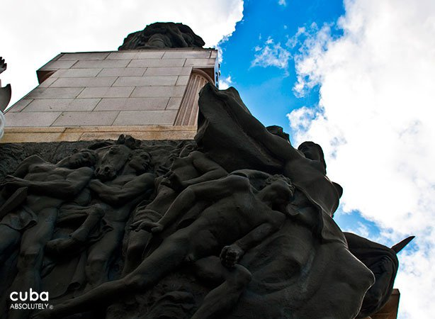 Details of jose Miguel Gomez monument in Vedado © Cuba Absolutely, 2014