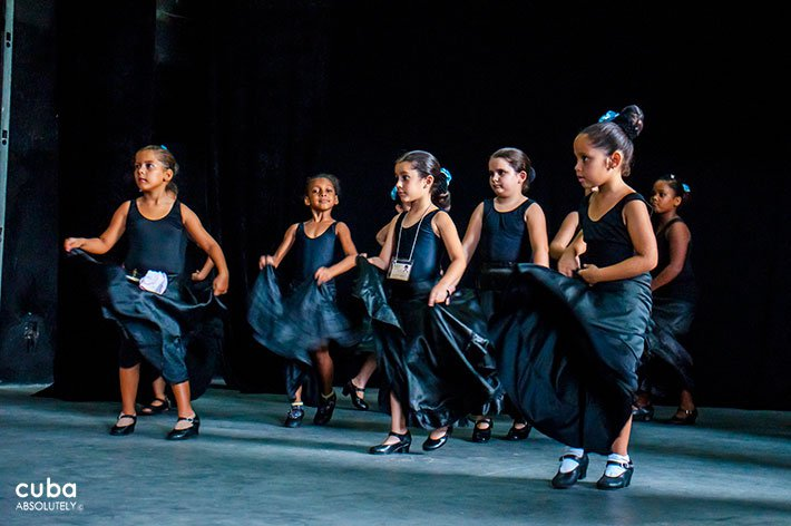 Rosalia de Castro cultural center in Old Havana, girls taking spanish dance class © Cuba Absolutely, 2014