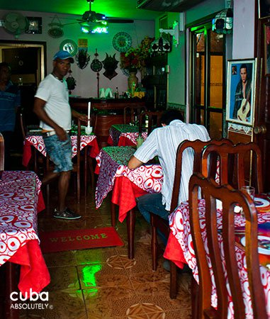 los amigos restaurant in Vedado  © Cuba Absolutely, 2014