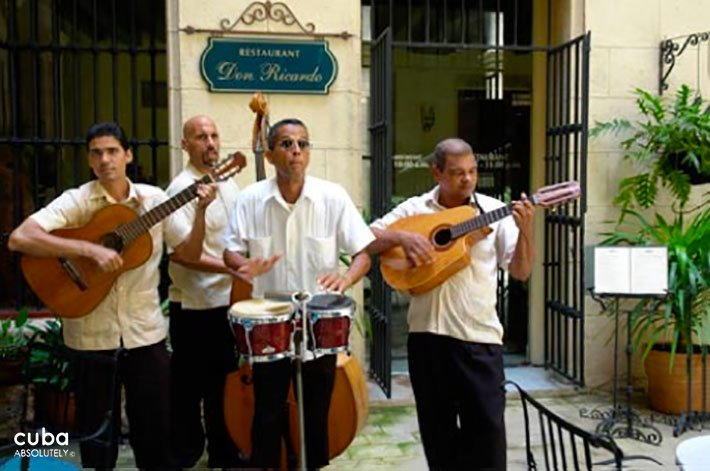 Musicians at Don Ricardo restaurant in Old Havana © Cuba Absolutely, 2014