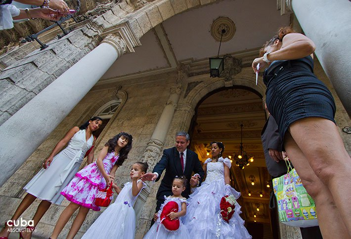 Weddings at Marriage palace in Old Havana © Cuba Absolutely, 2014