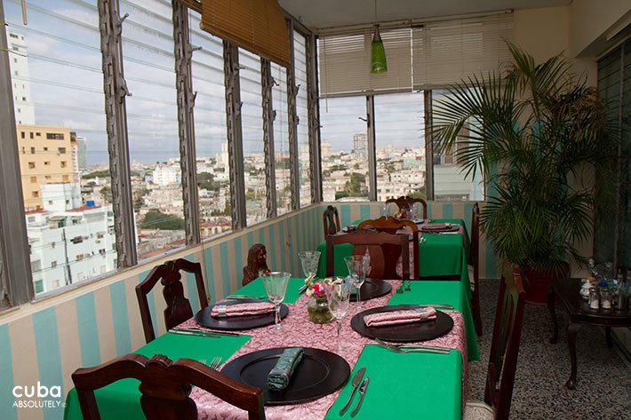 Porto habana restaurant in Vedado © Cuba Absolutely, 2014