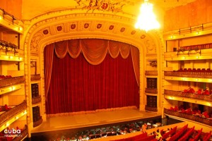 Grand Theatre in Old Havana© Cuba Absolutely, 2014