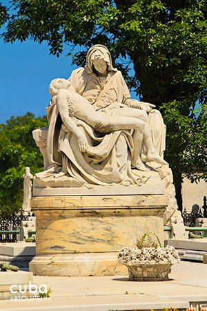 copy of piety sculpture, Colon Cementery in Vedado© Cuba Absolutely, 2014