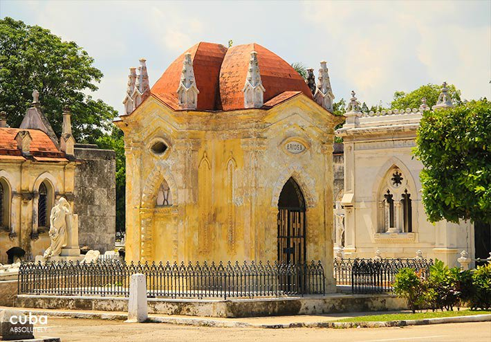 Colon Cementery in Vedado© Cuba Absolutely, 2014