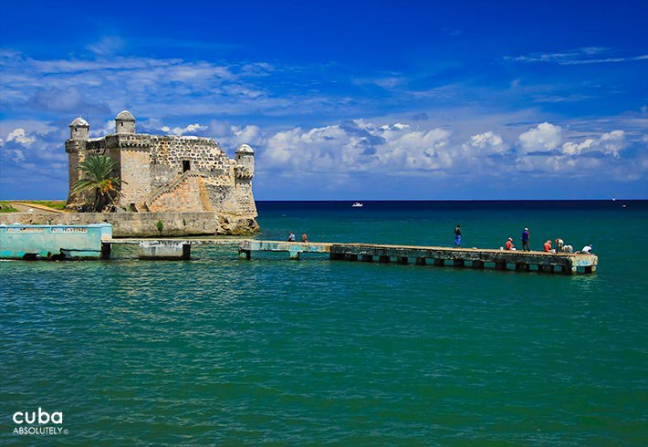 dock with a small fortress at the end in Cojimar © Cuba Absolutely, 2014