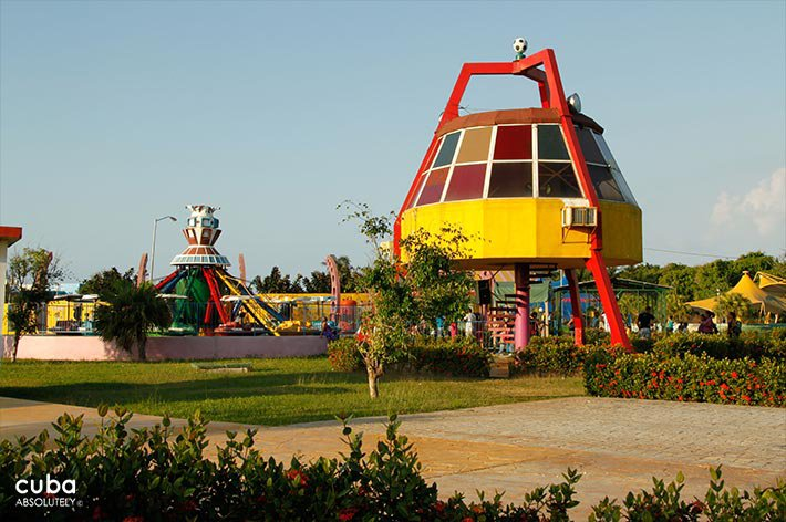 view of Coney Island park in Miramar © Cuba Absolutely, 2014