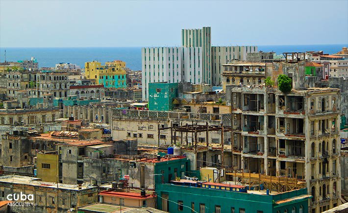 view of the city with the sea behind © Cuba Absolutely, 2014