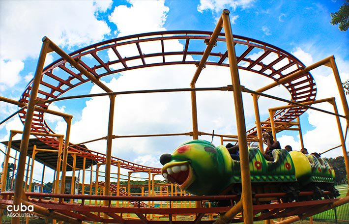 roller coaster at Lenin park © Cuba Absolutely, 2014