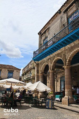 Restaurant El patio in Cathedral Square in old havana© Cuba Absolutely, 2014
