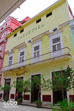 front of pharmacy Taquechel in old havana © Cuba Absolutely, 2014