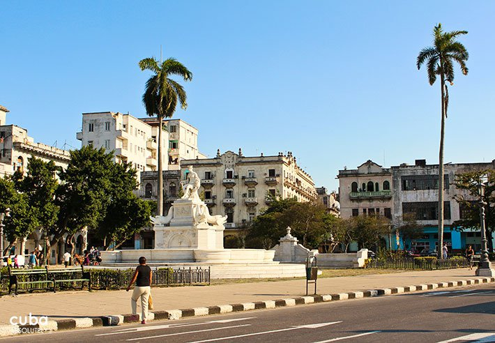 general view of Indian Fountain in old havana© Cuba Absolutely, 2014