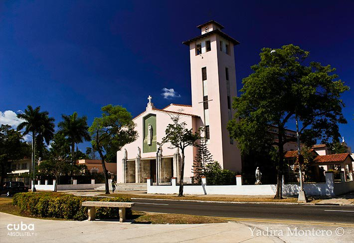 front of Santa Rita church© Cuba Absolutely, 2014